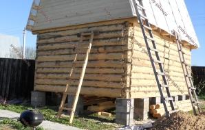 Сруб бани 4 на 4 с ломанной крышей