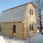 Сруб дома 3 на 5 с ломанной крышей