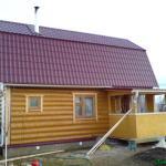 Сруб дома 4 на 6 с ломанной крышей