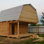 Сруб дома 3 на 5 с верандой и ломанной крышей