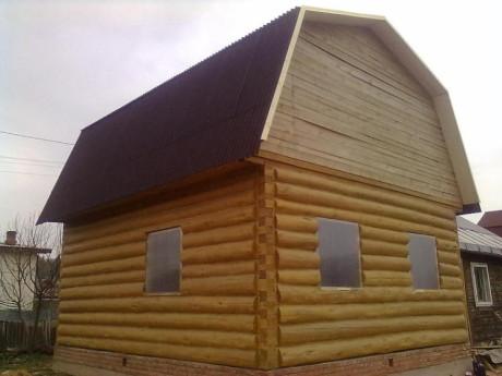 Сруб бани 6 на 7 с ломанной крышей