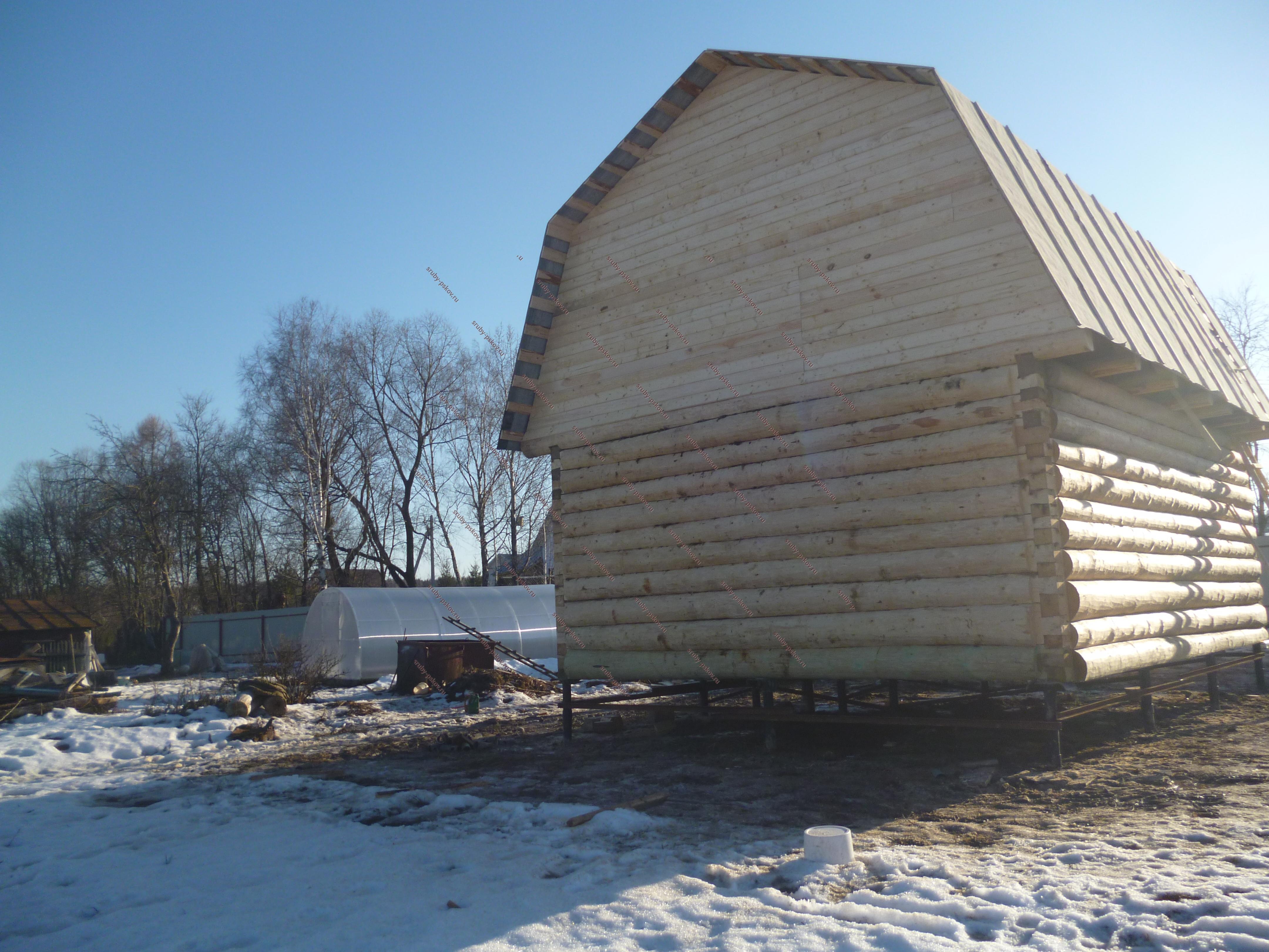дом из сруба с ломаной крышей фото значительно расширяет сферу